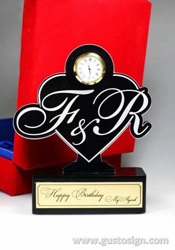 trophy ulang tahun-gusto sign (1)