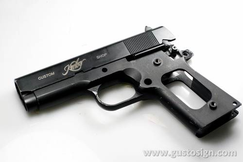 laser engraved gun - gusto sign (1)