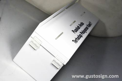 Acrylic Feedback Box - Gusto Sign (1)