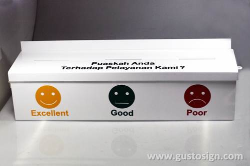 Acrylic Feedback Box - Gusto Sign (3)