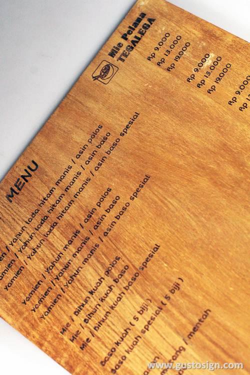 grafir kayu untuk menu - gusto sign (1)