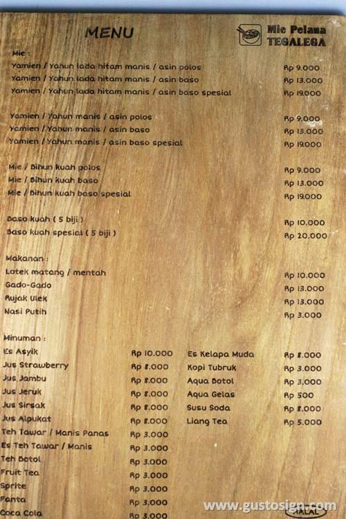 grafir kayu untuk menu - gusto sign (2)