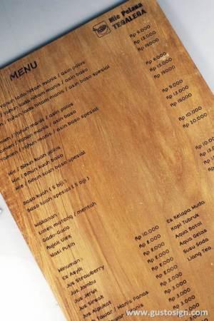 grafir kayu untuk menu - gusto sign (3)