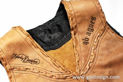 Leather Engrave - Gusto Sign (3)