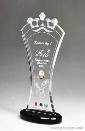 laser cut trophy putri kalses 2013 - gustosign (1)