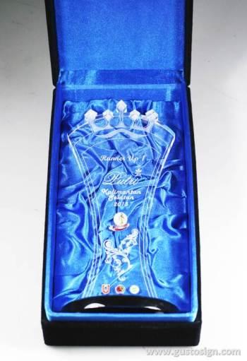 laser cut trophy putri kalses 2013 - gustosign (2)