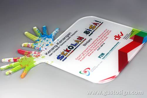 Acrylic Fabrication - Gusto Sign (5)