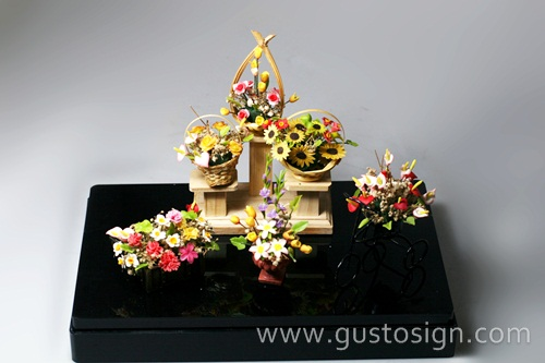 Acrylic Display - Gusto Sign (5)