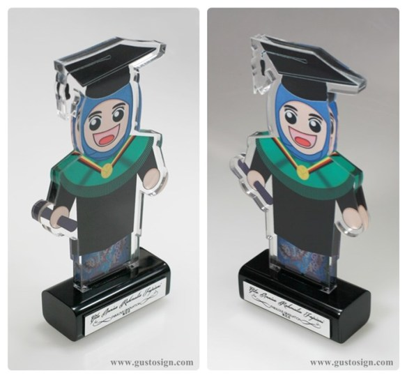 Trophy Wisuda - Gusto Sign (2)
