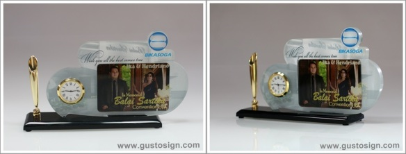 Merchandise - Gusto Sign (1)